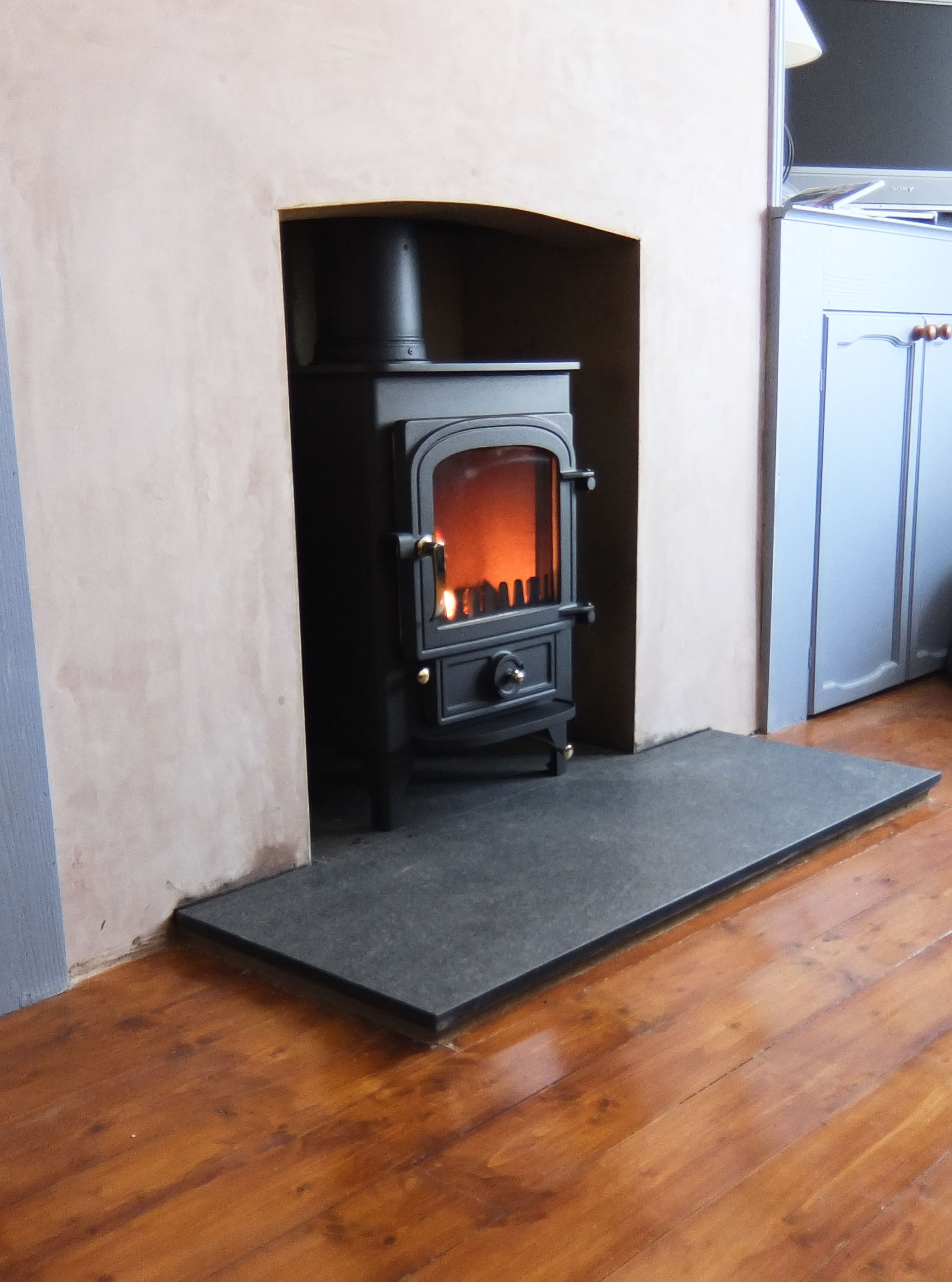 Wood Burning Stove With Granite Hearth Log Burner