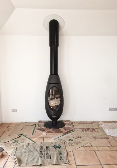 wood burning stove with Twinwall flue system, hampshire