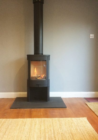 twin wall flue installation with free standing log burner